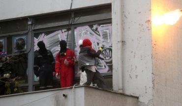 """Gobierno condena los últimos incidentes en el Instituto Nacional y alcalde Alessandri pide """"más detenidos"""""""