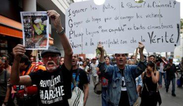 """Manifestantes levantan barricadas en Francia protestando contra """"violencia policial"""""""