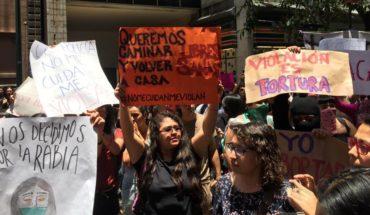 Mujeres protestan contra el acoso y abuso de policías en CDMX
