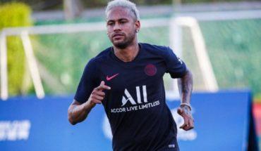 Neymar recibe dura crítica de France Football en su última portada
