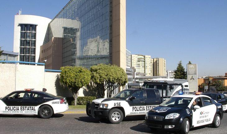 Presuntos asaltantes matan a policía en plaza del Edomex