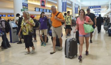 Sancionan al Aeropuerto de Cancún por monopolio de taxis