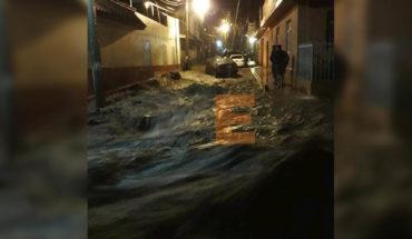 Se desbordan ríos y drenes en Los Reyes, Michoacán