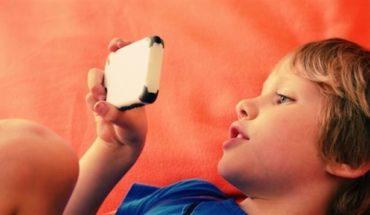 Un niño con Teléfono es lo mismo que un niño con drogas, aseguran expertos