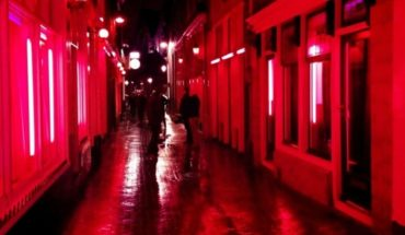 Controversy in Holland: they want to move the Red Light District in Amsterdam