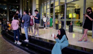 Earthquake hit the islands of Java and Sumatra in Indonesia: tsunami warning