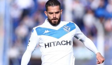 Fernando Gago returned to play after eight months in Velez's victory