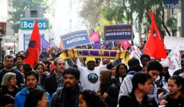 """Organizers suspend """"anti-migrant"""" march and aim for Piñera: """"He has turned his back on honest citizens"""""""
