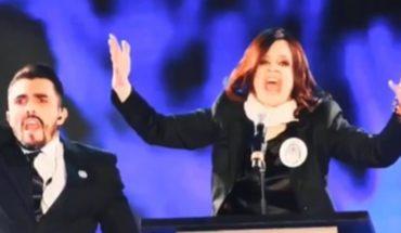 "Pillaging dessopiling imitation of Leticia Brédice Cristina Kirchner in the ""Dancing"""