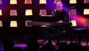 Uruguayan singer Leo Maslíah arrives in Chile for concert and book presentation