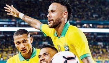 Barcelona recibió presión de Rakuten y Nike para lograr fichaje de Neymar