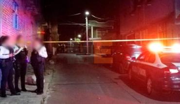 Ejecutan a dos hombres en Morelia, Michoacán les dejan narcoletrero