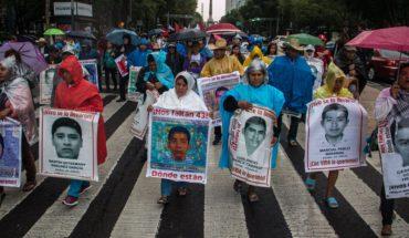 FGR ofrece reconstruir investigaciones del caso Ayotzinapa