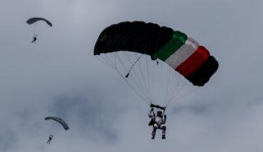 Paracaidista sufre lesiones por accidente durante desfile militar