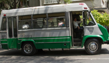 Quitan licencia a microbuseros que agredieron a ciclista