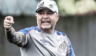 Sampaoli y Santos vuelven a perder y los hinchas protestan por mal momento