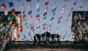 Sin nuevas ideas en la integración regional latinoamericana. Banderines en la ciudad de Valladolid (México). Foto: Filip Gielda (Unsplash). Blog Elcano