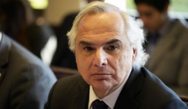 """Andrés Chadwick and charge against Cubillos: """"It lacks any legal basis"""""""