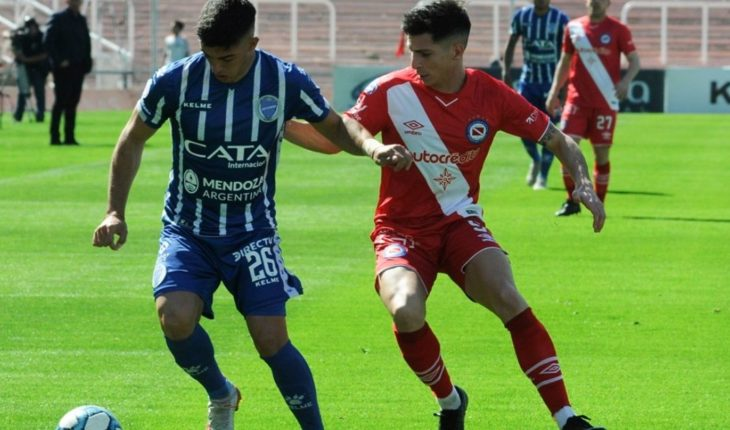 Argentinians surprised Godoy Cruz and remains undefeated in the Superleague