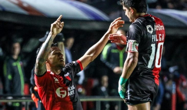 Colon defeated San Lorenzo and put in check the tip of the Superleague