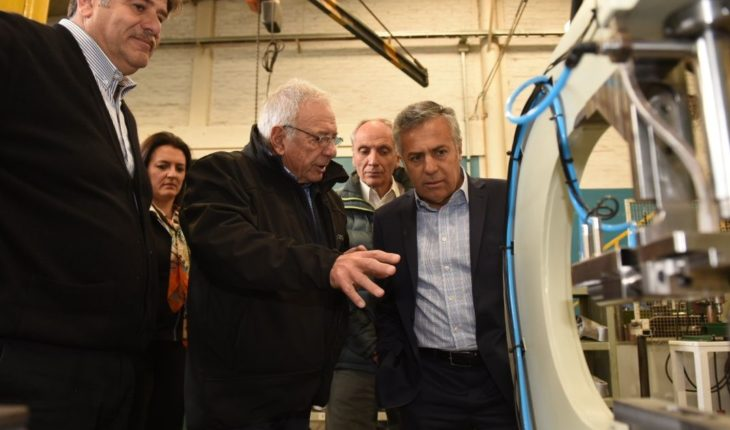 Cornejo opened a factory in Las Heras and visited a company in San Martín