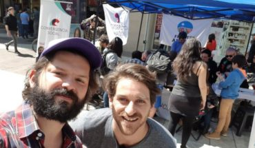 Deputies Winter and Boric go out to seek signatures to legalize new Social Convergence party
