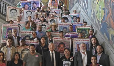 Government promises to ask army for information in Iguala case