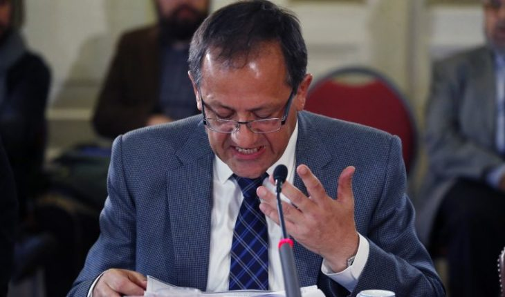 Harald Beyer criticizes constitutional indictment against Cubillos