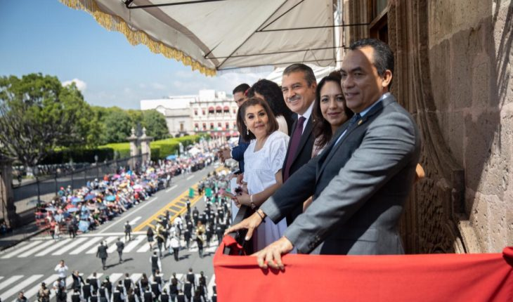 Harmony, good cheer and applause in parade commemorating the Struggle of Independence: Raúl Morón
