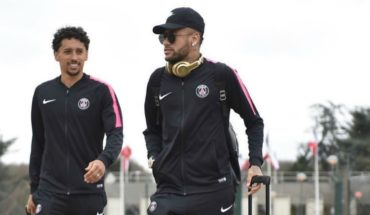 Neymar tried to put money out of his pocket to get to Barcelona but PSG told him not to