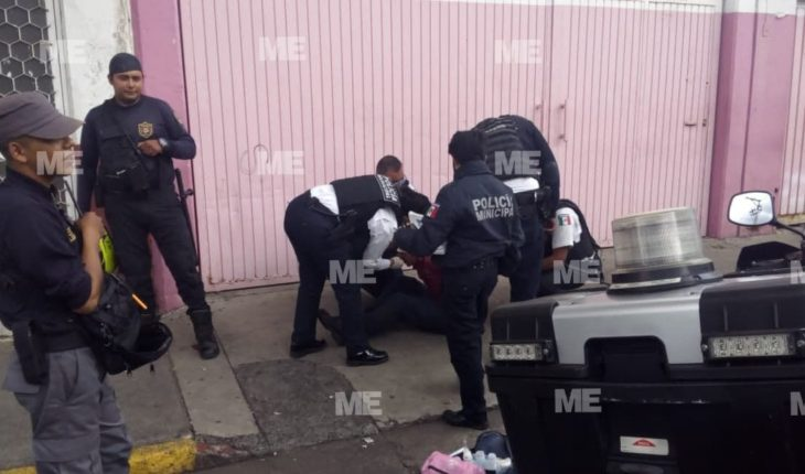 Subject tries to storm pawnshop with a rock, Morelia