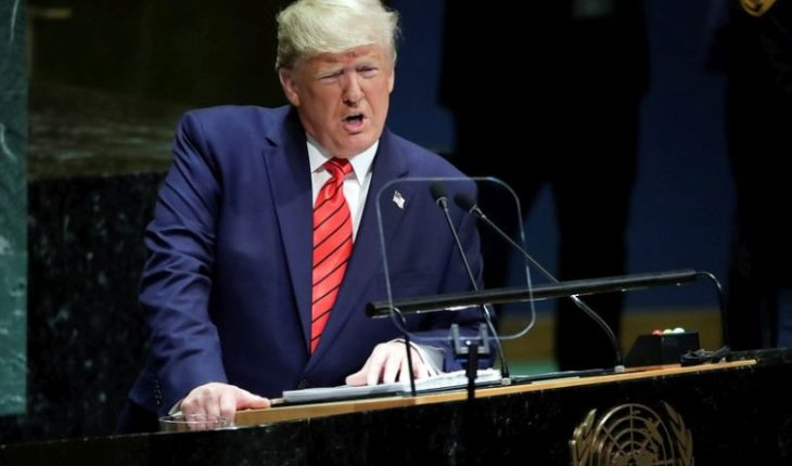 """Trump told Venezuelans u.S. is with them in front of """"Maduro dictator"""""""