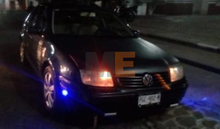 Two arrested for driving stolen vehicle in Cuitzeo, Michoacán