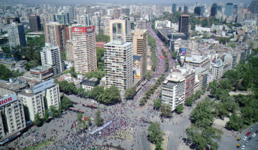 Massive demonstrations take place in Santiago