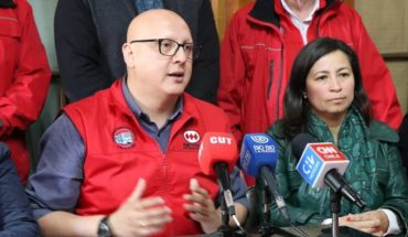 """Metro Union President: """"It's strange that Carabineros has been to the stations and when they burn them are gone"""""""