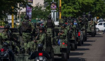 Military family leave Culiacan after recent events