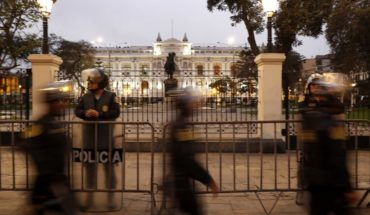 Peru: FF.AA. and police backed Vizcarra after congressional dissolution