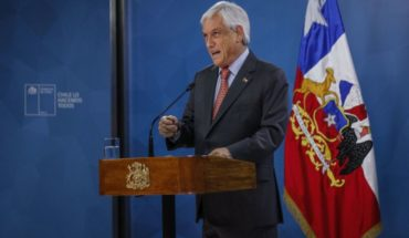 """[VIDEO] Piñera asked for """"forgiveness"""" and announced """"social agenda"""" with an immediate increase of 20% in the basic solidarity pension"""