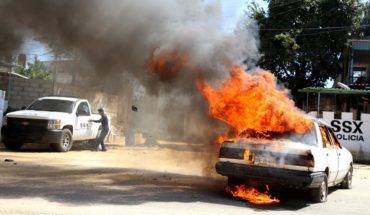 Quema de vehículos, bloqueos y enfrentamientos en Xaltianguis