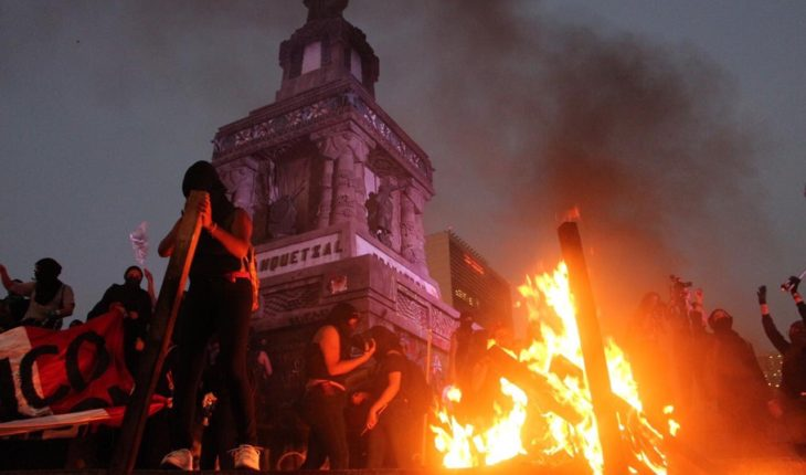 All the destruction left by the hooded ones in the feminist march in CDMX