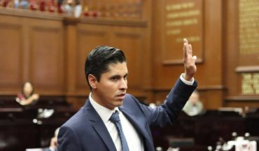 Javier Paredes claims AMLO fears a coup