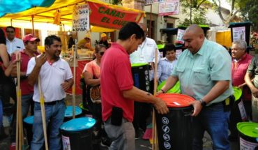 They give away cleaning equipment and trash cans to traders at Guadalupanas Festivals