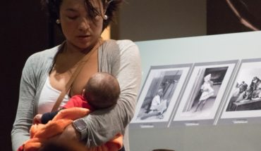 They make 'Tetada' in Museum after mother eviction for breastfeeding