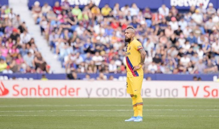 Vidal played 63 minutes in Barcelona's tough loss to Levante