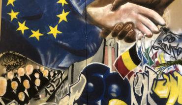 Obra del artista senegalés Docta en la Delegación de la UE en Dakar (Senegal). Foto: Aitor Pérez. Blog Elcano