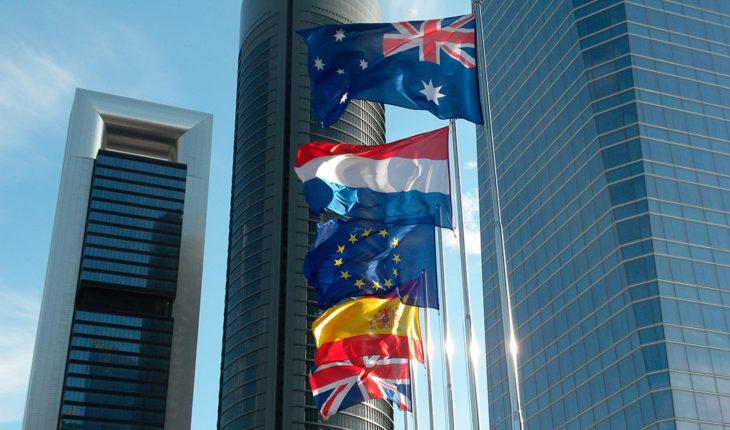 Lo que las empresas extranjeras nos dicen sobre la economía y los negocios en España. Cuatro Torres Business Area, Madrid. Foto: JasonParis (CC BY 2.0). Blog Elcano