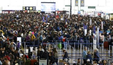Announce high season contingency plan at Santiago Airport