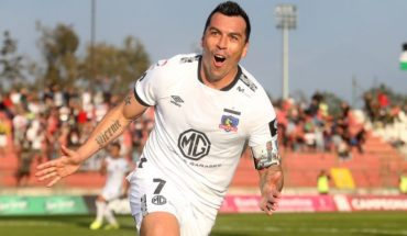 "Esteban Paredes said Colo Colo urgently needs a ""9"""