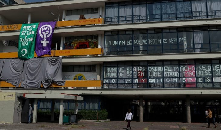 Teachers call for action against gender-based violence at UNAM