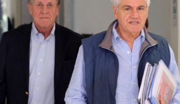 They egressed: Délano and Lavín finish ethics classes